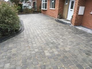 Block Blocked paving driveway